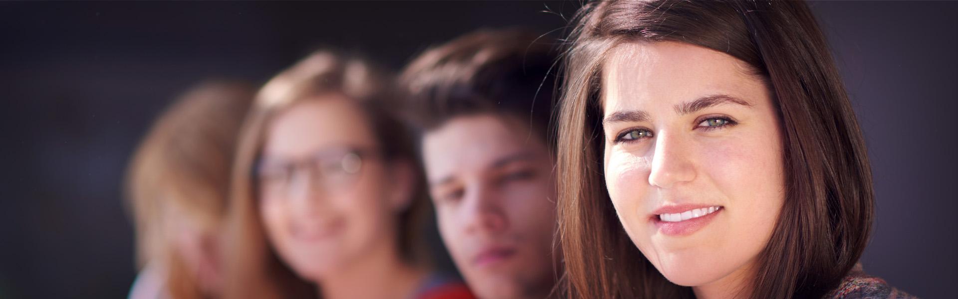 boys-girls-home-smiling teen